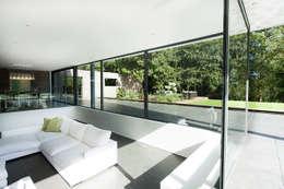 Salon de style de style Moderne par AR Design Studio