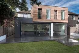 Casas de estilo moderno por AR Design Studio