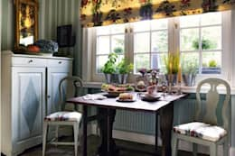 classic Dining room by THORA TOWN & COUNTRY