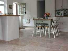 Paredes y suelos de estilo  por DT Stone Ltd