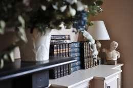 klassische Wohnzimmer von Cathy Phillips & Co
