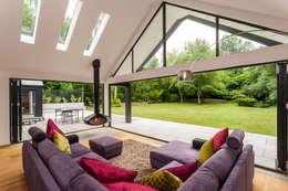 Ruang Keluarga by Designcubed