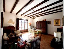 Villa Lago Maggiore - Italia: Soggiorno in stile in stile Rustico di Marco Barbero