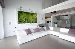 Salas de estilo moderno por Architettura & Servizi