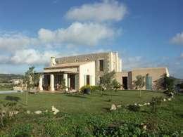 mediterrane Häuser von Fincas Cassiopea Group