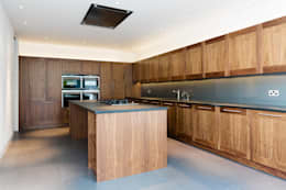 colonial Kitchen by Gregory Phillips Architects