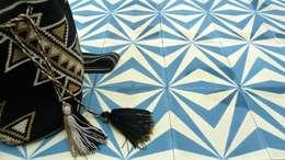 Paredes y suelos de estilo  por Maria Starling Design