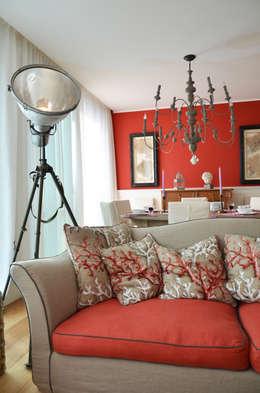 Salon de style de style eclectique par IMAGO DESIGN