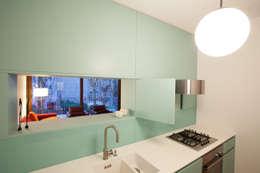 Privatwohnung Pankow: moderne Küche von  büro für interior design