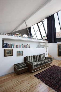 roberto murgia architetto: endüstriyel tarz tarz Oturma Odası