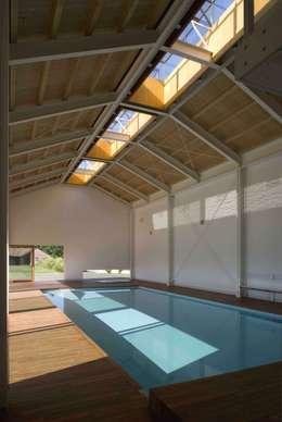 modern Pool by Giorgio Pettenò Architetti