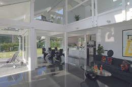 Гостиная в . Автор – DAVINCI HAUS GmbH & Co. KG