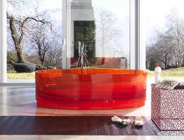 Jolie: Bagno in stile in stile Eclettico di Lucarelli Rapisarda Architettura & Design