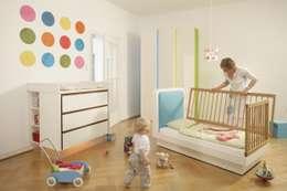 """Designkinderbett Elsa """"Made by Tricform"""": moderne Kinderzimmer von tricform"""