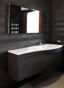 casa Castelli: Bagno in stile in stile Moderno di CAFElab studio