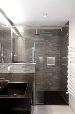 Bathroom by gosplan architects