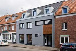 TANZ AUS DER REIHE: moderne Häuser von ONE!CONTACT - Planungsbüro