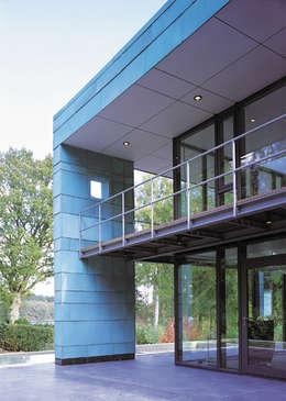 Fassade: moderne Häuser von Stadie + Stadie Architekten