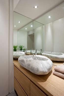 ห้องน้ำ by Studio RBA
