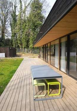 Patios by Allegre + Bonandrini architectes DPLG