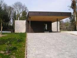 moderne Garage/schuur door Allegre + Bonandrini architectes DPLG