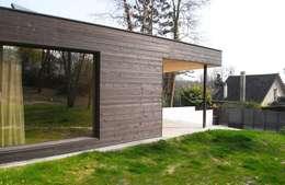 War House: Maisons de style de style Moderne par Allegre + Bonandrini architectes DPLG