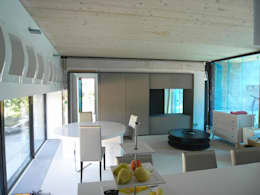 moderne Eetkamer door Allegre + Bonandrini architectes DPLG