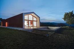 Study House Sarravarano: Case in stile in stile Moderno di Studio Zero85