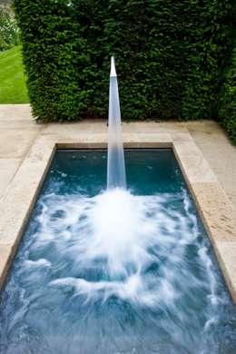 Piscinas coloniais por London Swimming Pool Company