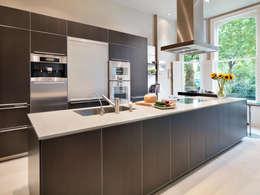 Cuisine de style de style Moderne par Kitchen Architecture