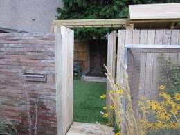 Jardines de estilo moderno por Earth Designs