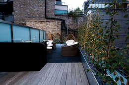 Terrazza in stile  di Urban Roof Gardens