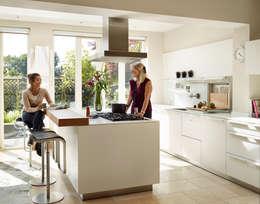Cucina in stile in stile Moderno di Kitchen Architecture