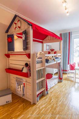 scandinavian Nursery/kid's room by Münchner HOME STAGING Agentur