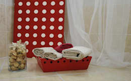 modern Bathroom by Gabriella Sala   Home Staging & Relooking Specialist