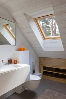modern Bathroom by blackStones