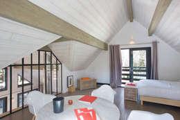 modern Bedroom by blackStones