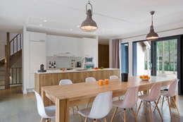 modern Dining room by blackStones