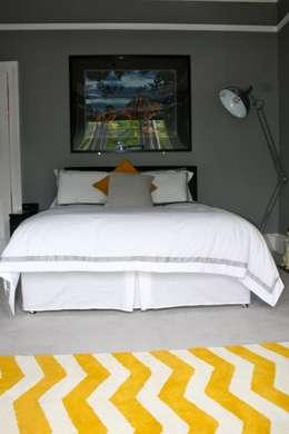 Schlafzimmer von Isolution Interiors