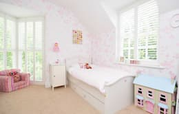 Little Girls Bedroom: modern Nursery/kid's room by Lime Lace Eclectic Interiors