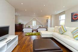 Cuartos de estilo  por A1 Lofts and Extensions
