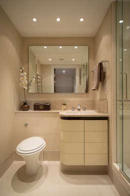 modern Bathroom by STUDIO[01] LTD