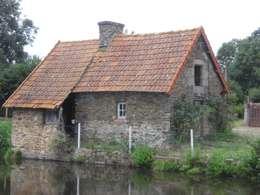 La maison avant travaux:  de style  par Christèle BRIER Architechniques