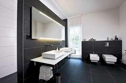 Bathroom by Jesteburger Sonnenhäuser GmbH & Co. KG