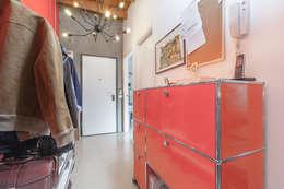 LOFT APARTMENT in milan: Ingresso & Corridoio in stile  di studio matteo fieni