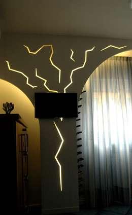 Salones de estilo moderno de PECORAMELLOarchitetti