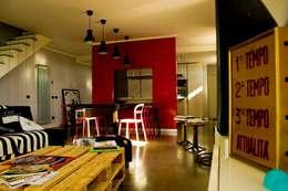 deltastudio: endüstriyel tarz tarz Oturma Odası