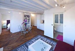 Un salon en étoile: Salle à manger de style de style Classique par Fables de murs