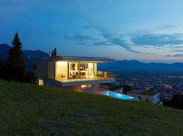Projekty, nowoczesne Domy zaprojektowane przez Dietrich | Untertrifaller Architekten ZT GmbH