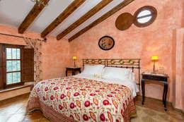 Dormitorios de estilo rústico por Espacios y Luz Fotografía